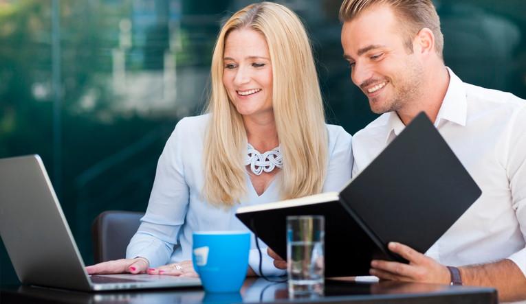 Ausbildung zur/zum Kauffrau/-mann für Versicherungen und Finanzen - Schwerpunkt Versicherungen