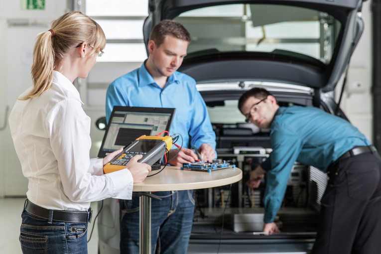 Test- und Erprobungsingenieur (m/w) für vorausschauende Sicherheitsfunktionen / Fahrerassistenz