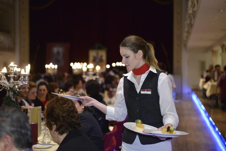 Restaurantfachfrau/-mann Lutherkeller/Bankett