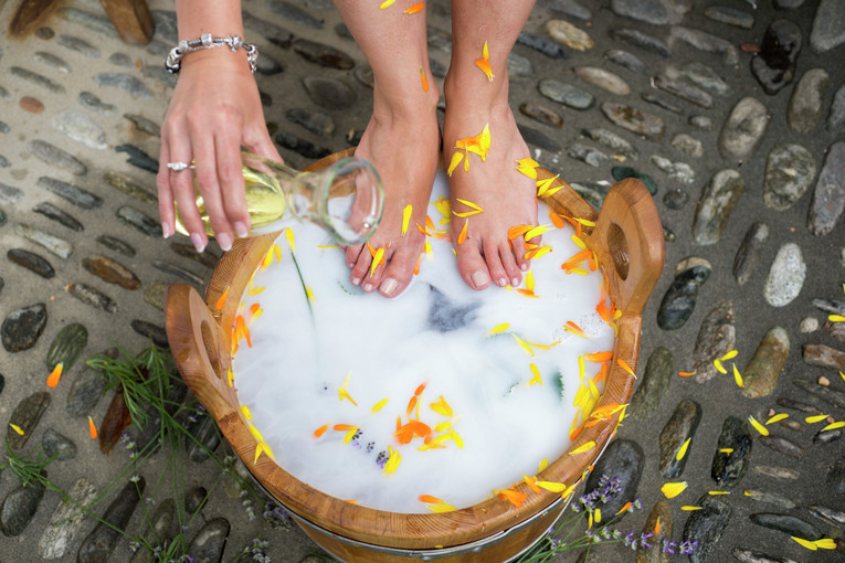 Kosmetikerin und Fußpflegerin