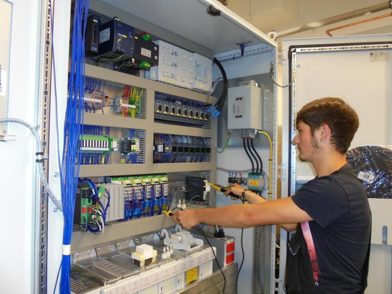 Ausbildung zum Elektroniker/in für Betriebstechnik