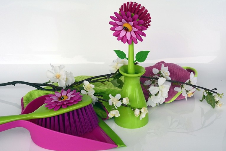 Mitarbeiter/in für einfache Büroarbeiten, Besorgungen und Reinigungsarbeiten gesucht