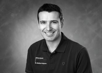 Zahnarztpraxis Dr. med. dent. Matthias Wolfgarten, Implantologie und Parodontologie, Ästhetische Zahnheilkunde