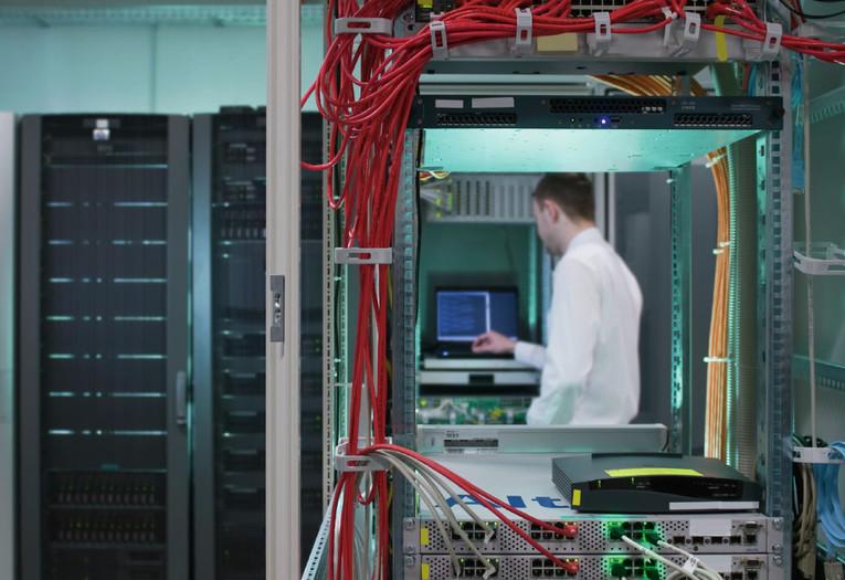 IT System Engineer w/m IT-Infrastruktur/Server, Storage (Virtualisierung, Backup)