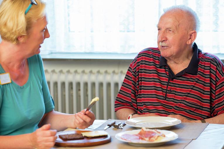 Werden Sie ein Teil unseres Teams als Altenpflegehelfer (m/w)!