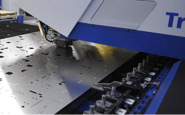 CNC-Stanz/-lasern